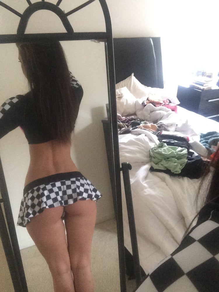 Send Nudes - 6 Pics