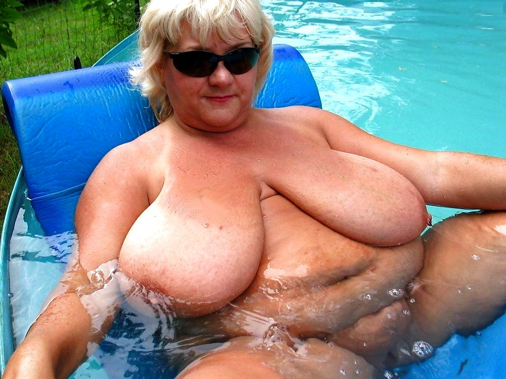 Xxx porn naked fat girl in swimming pool
