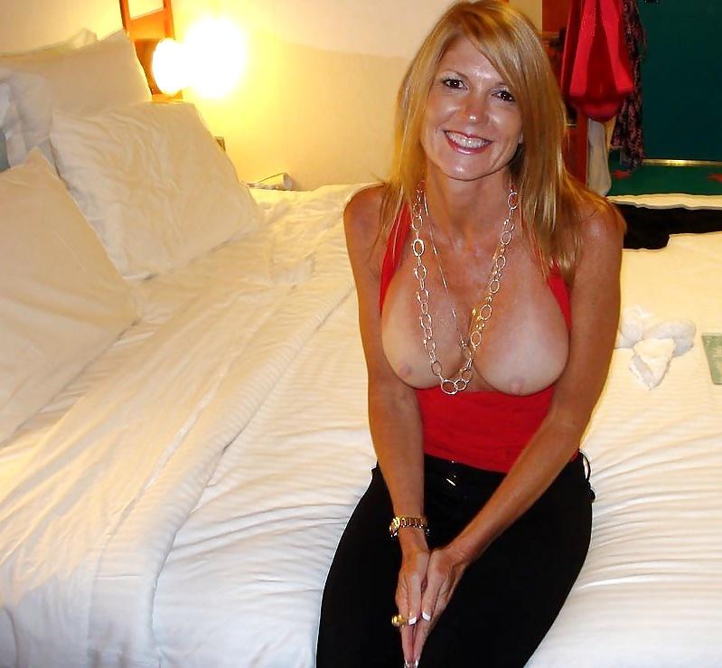 Topless Wanda Sykes Nude Scenes