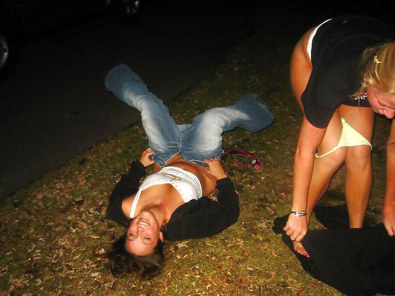 серёга, пьяные обоссавшиеся девушки фото миниатюре французской