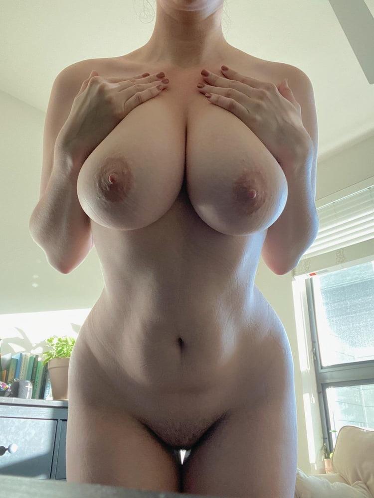 Sagging huge tits-9252