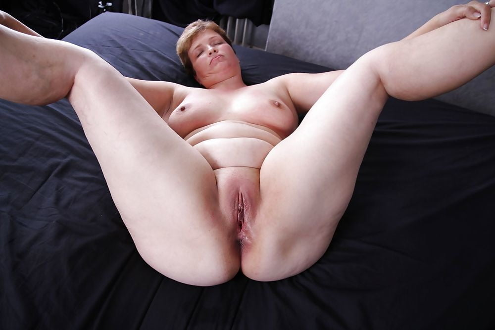 Nude Fat Pussy Shaved Vulva