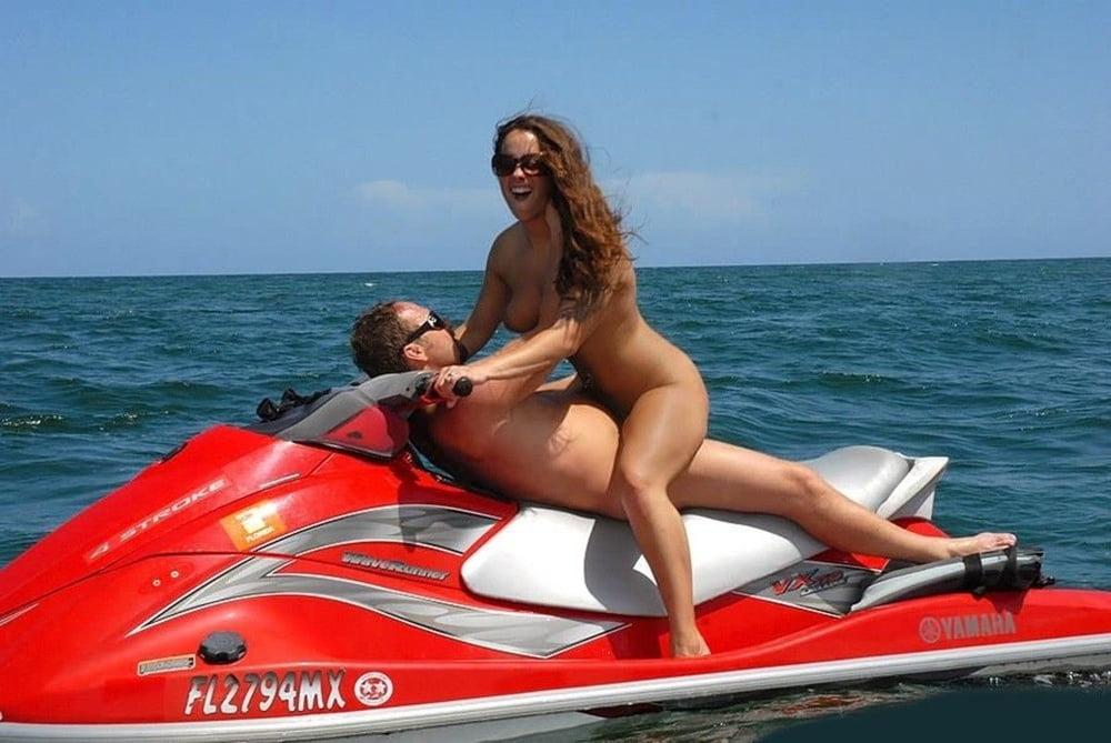 Красивое порно на водном мотоцикле 4