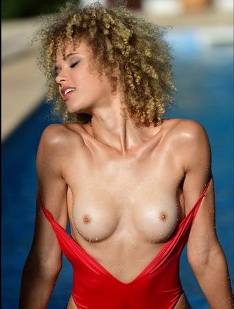 Jolina bryx nude