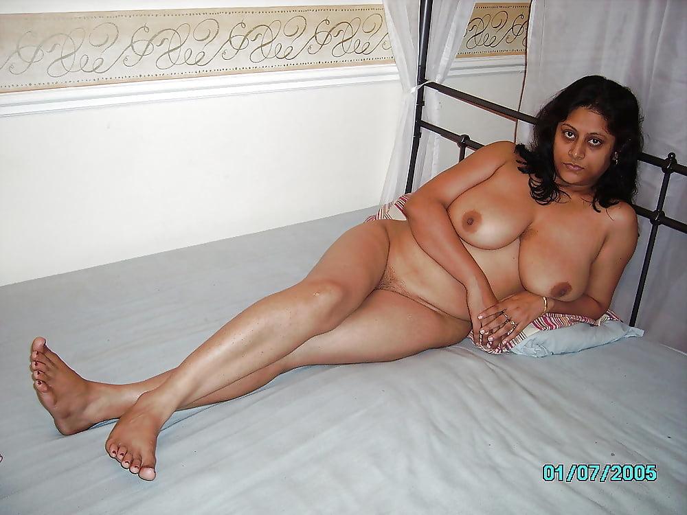 Mature desi naked women