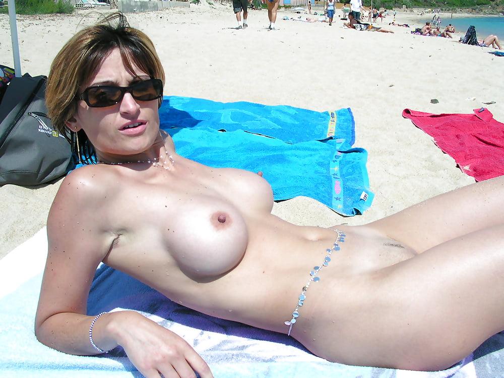 amature-bikini-nude-sunbathing