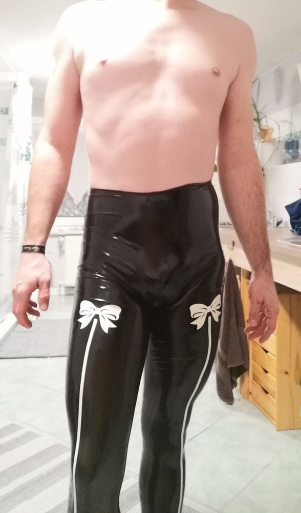Me in Latex and Rubber - 12 Pics