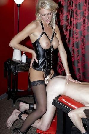 Strapon mistress amateur