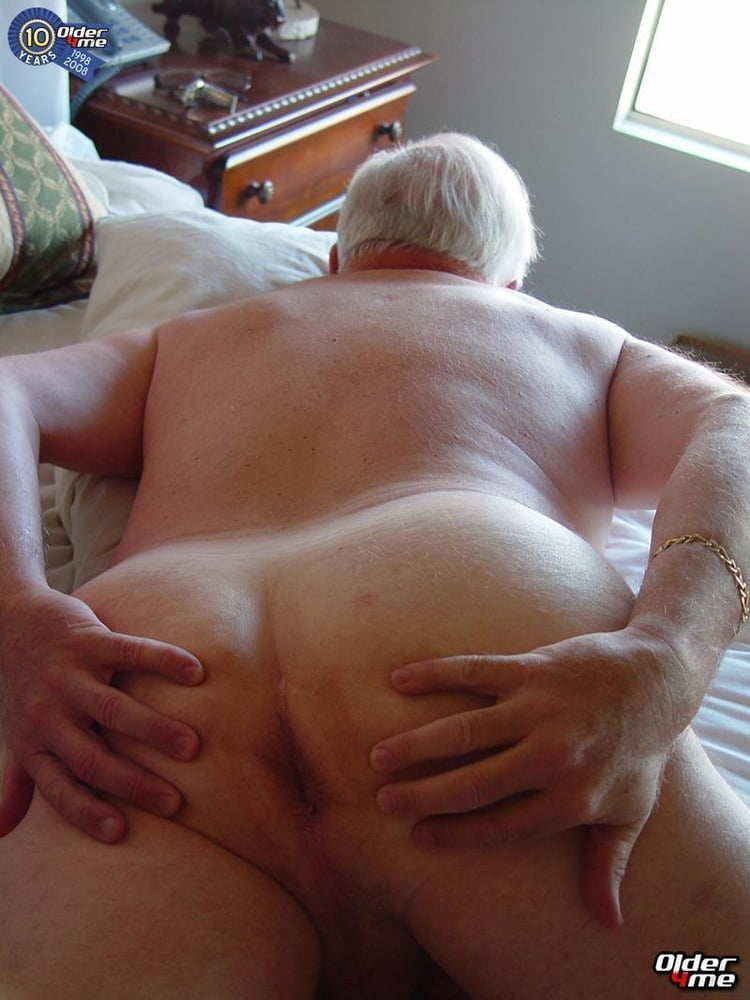 Mature gay gets butthole fucked