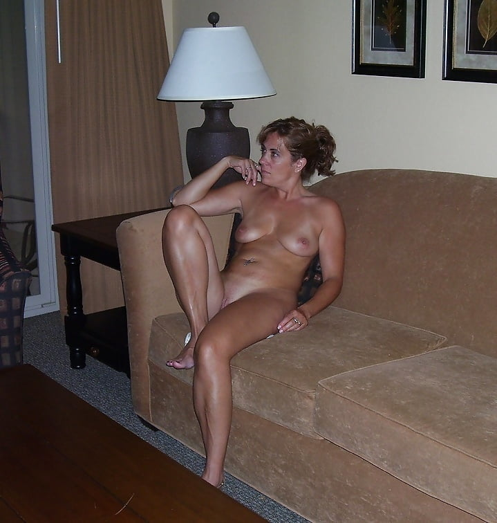 Mom nude on the couch butt