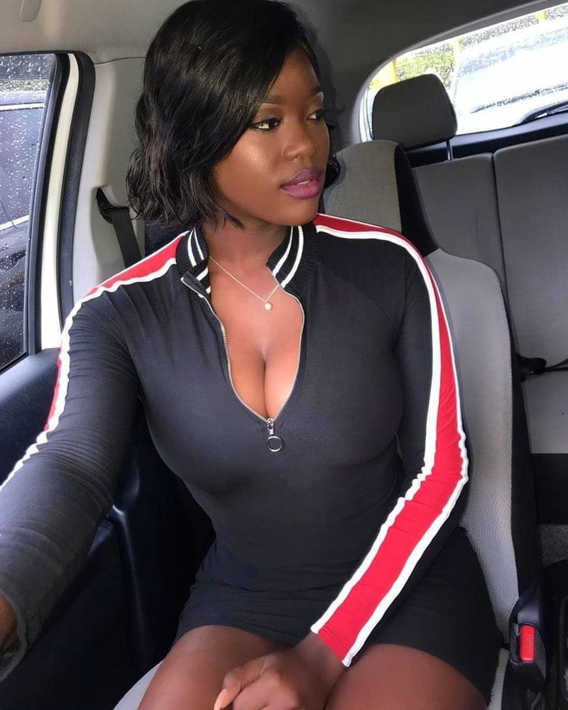 Ebony fuck slut - 200 Pics