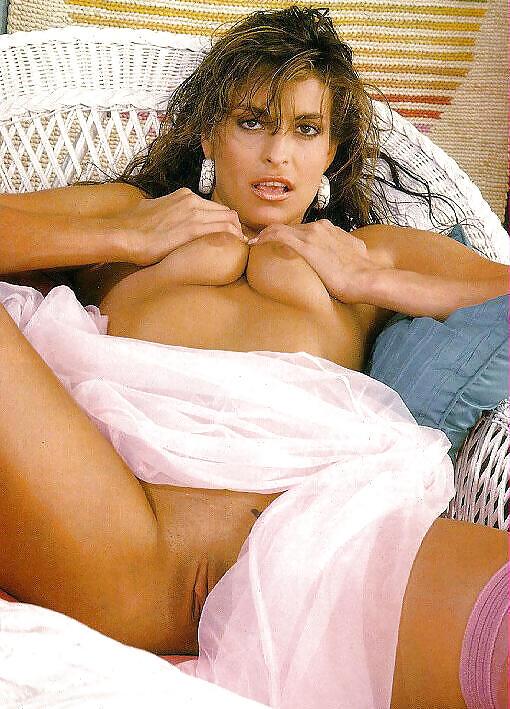 tori-wells-pussy-bulgarian-naked-women