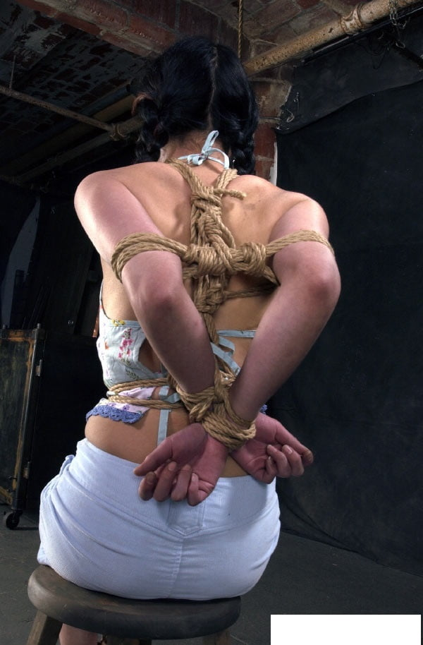 Submissive chink whore in bondage for our use - 17 Pics