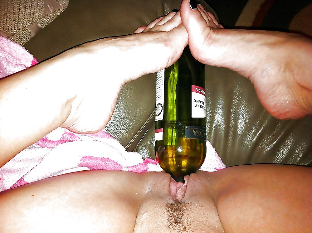 rave-girl-bottle-pussy-gry-forsellnude