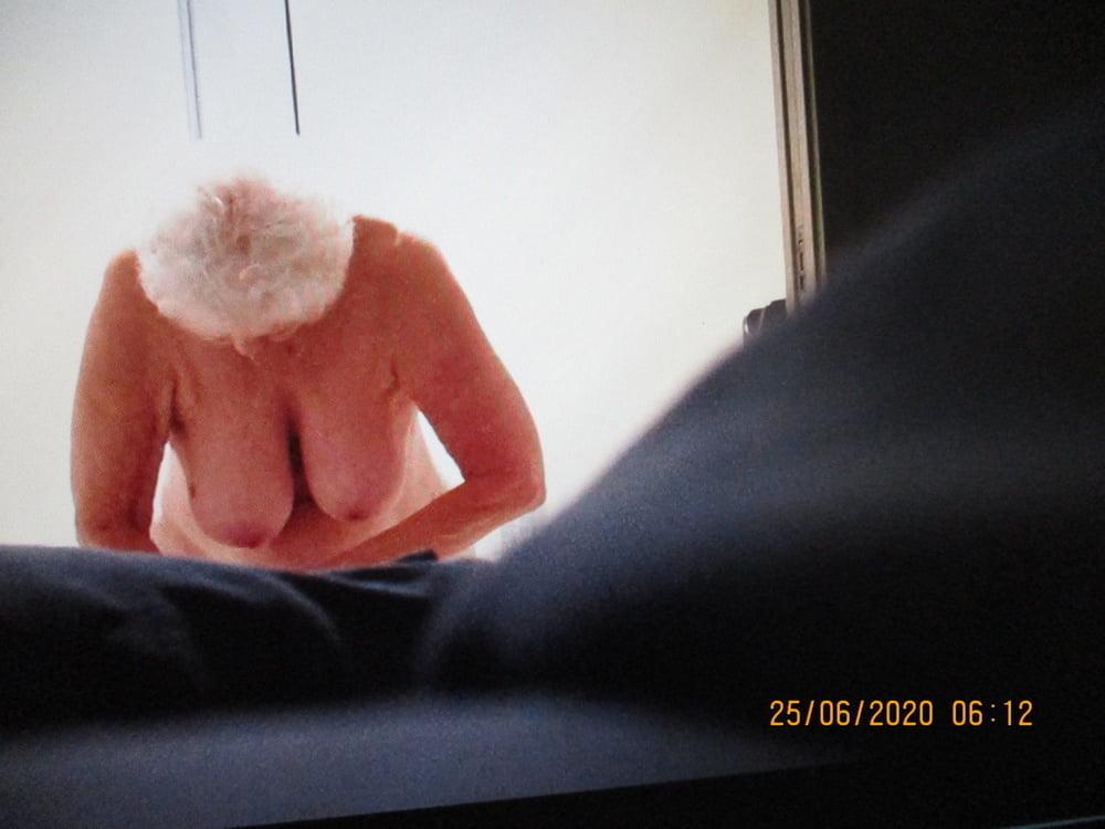 Granny in Shower - 7 Pics
