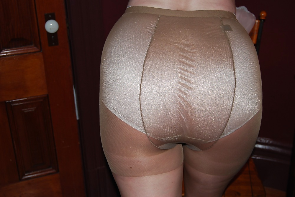 Mature panties and nylons