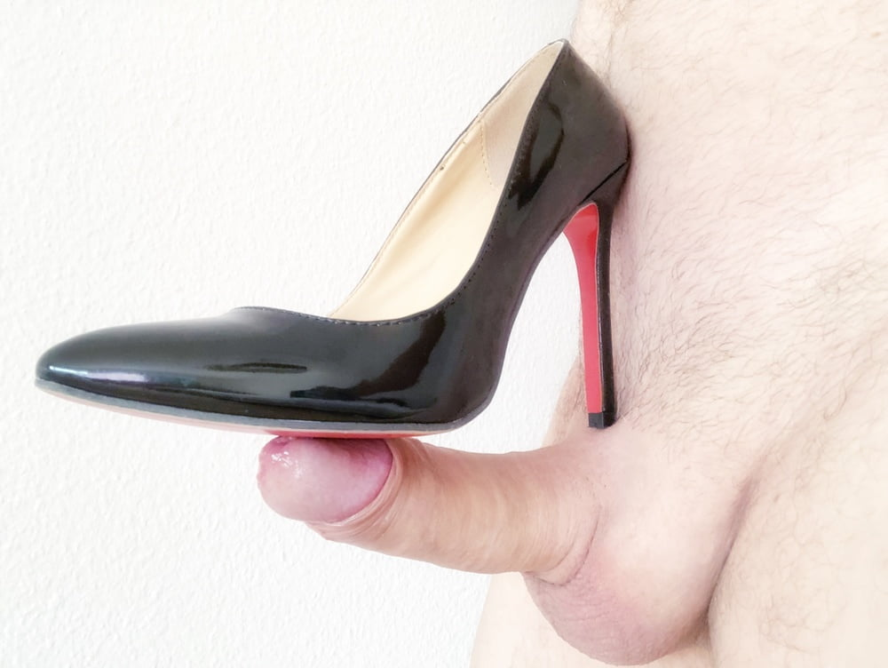 Cursed shoe images that will eliminate any foot fetish