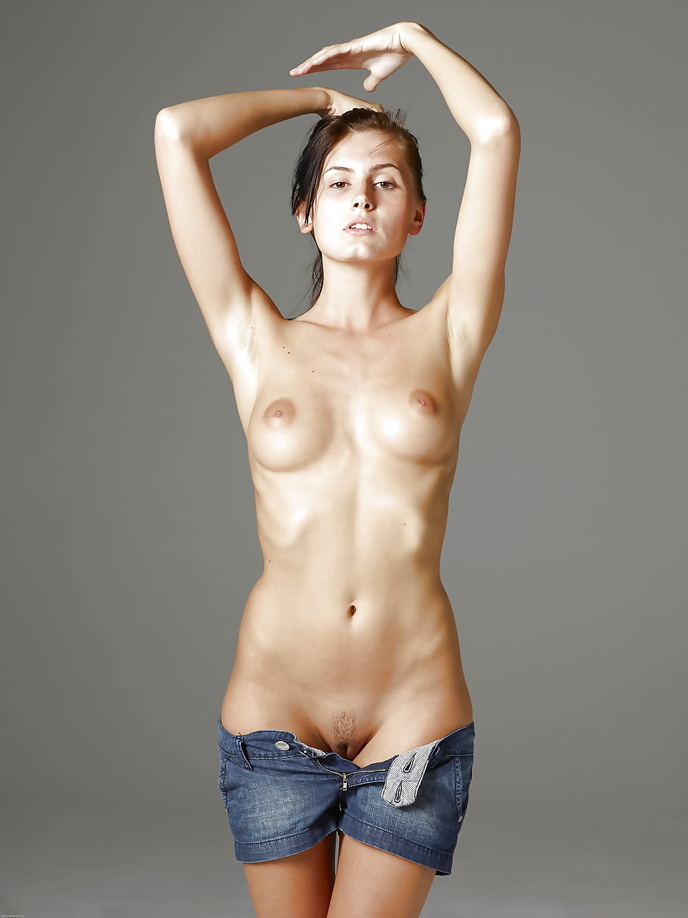 Short hot nude — pic 8