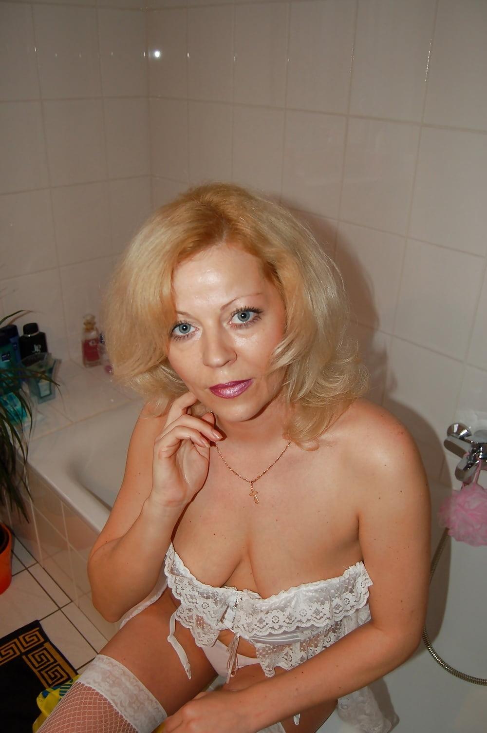 Проститутка возрастом проститутки москвы индивидуальные