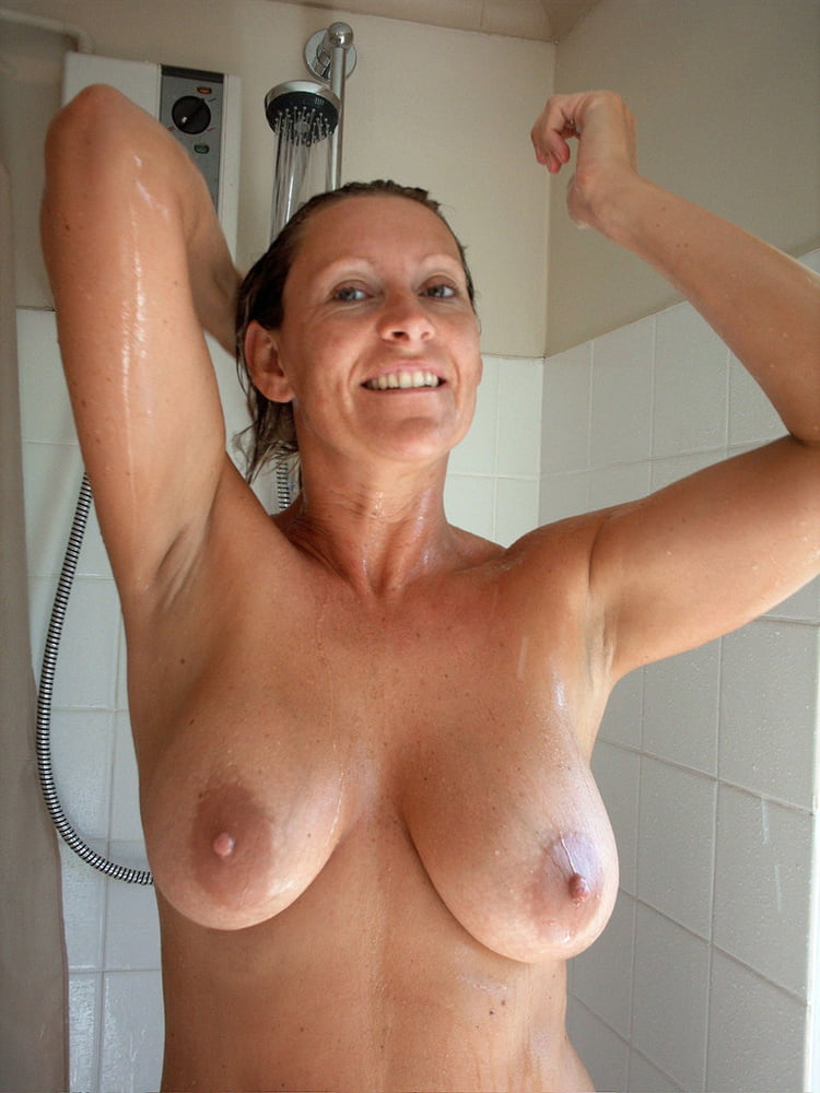 Mom caught naked shower