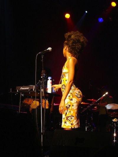 Erykah Badu Sings Colbie Caillat's Try W Her Daughters