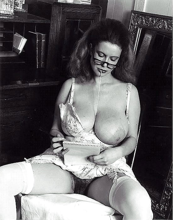 ретро порнографические фотографии дам с огромной грудью даже