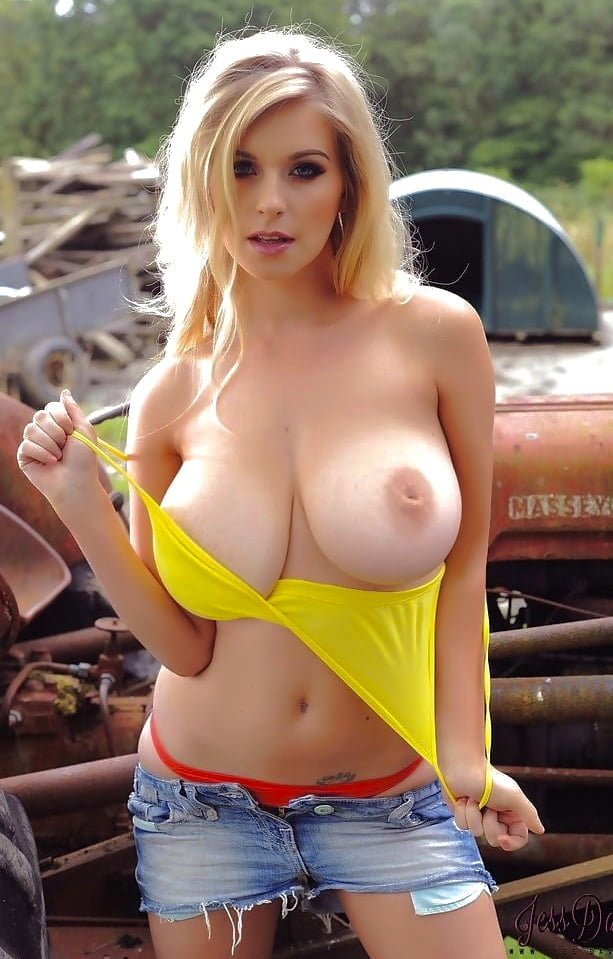 Nerd girl big boobs