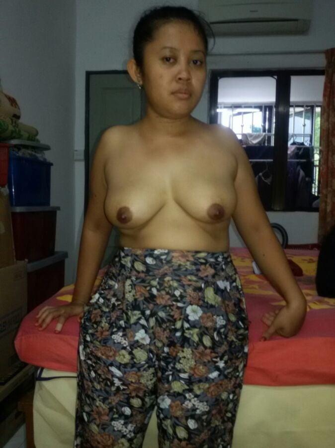 malay-naked-girl-aunty-tit-redbone-nude