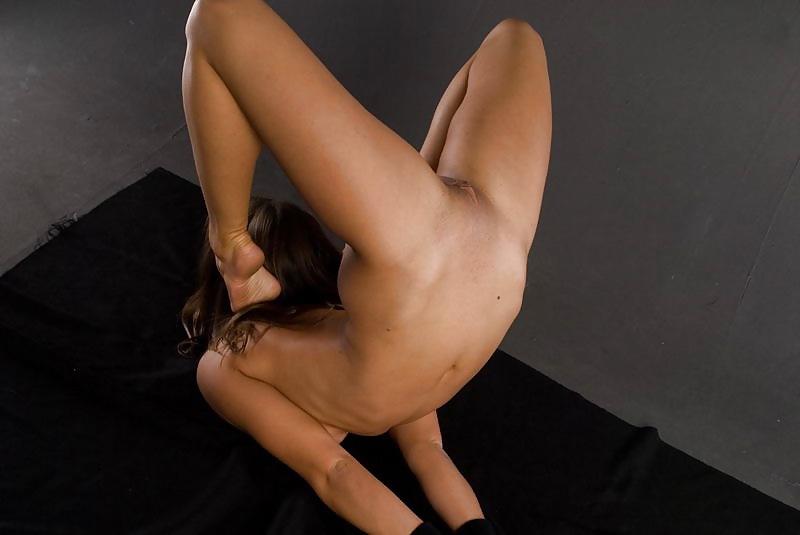 Free flexible porn pics