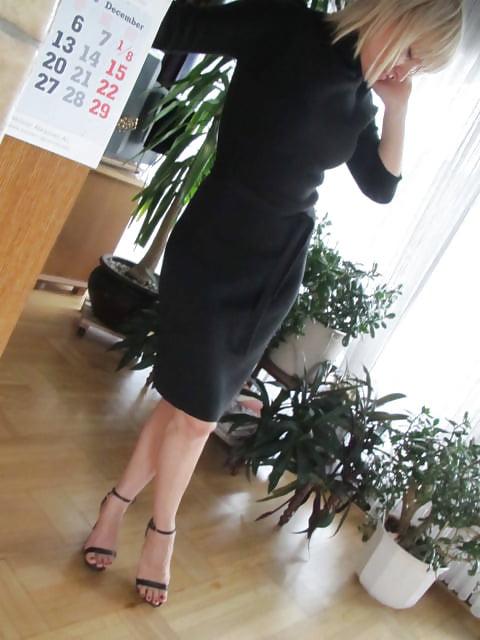 Sexy milf high heels-6945