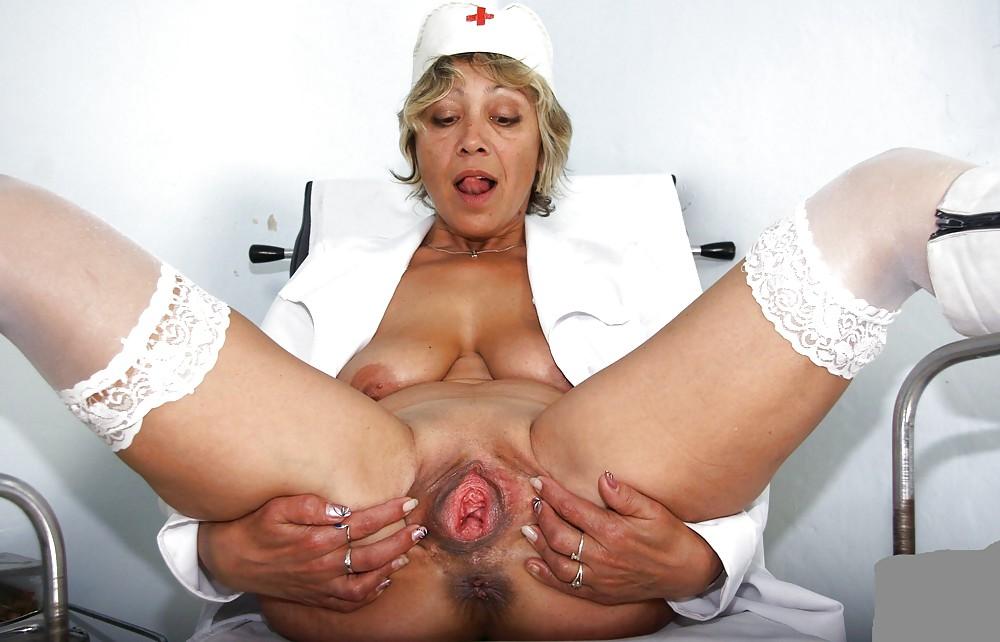 lateks-zrelie-dami-pokazivayut-matku-video-kirgizstane-golie