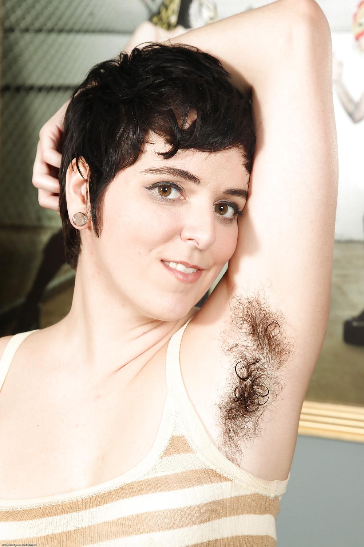 Super hairy women