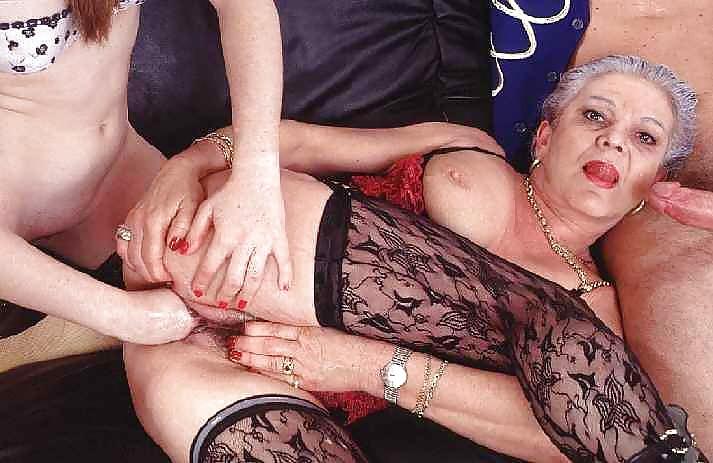 Секс старых абулки индузуы смотреть