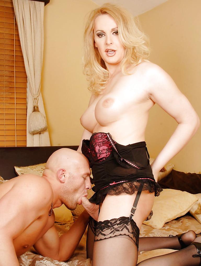Рот спб трансвеститы порно милфы грудь джессика бангкок