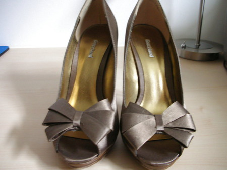 wife bronze high heels metal spiked