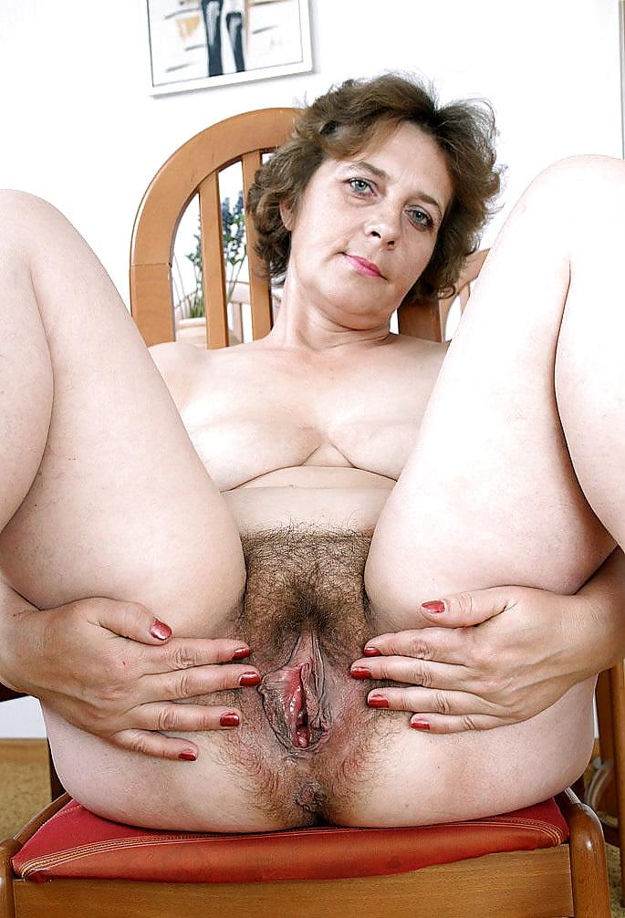 Груди волосатые влагалище зрелой женщины фото мега порно