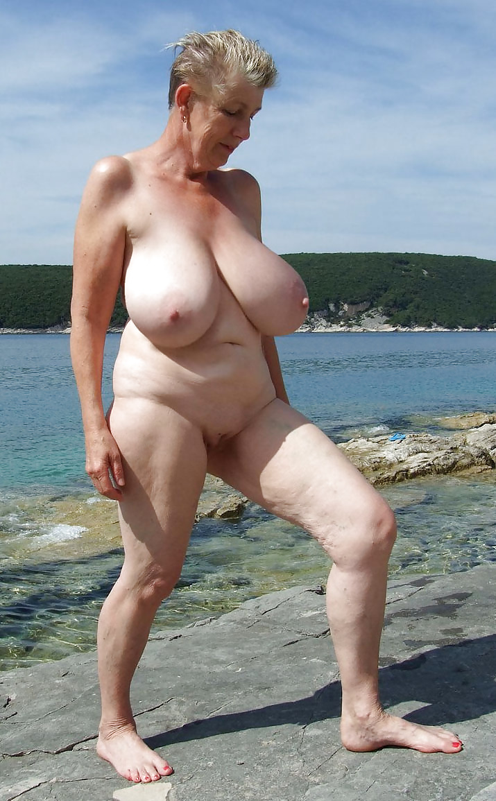 Nudist Grannies - 78 Imgs - Xhamstercom-3742