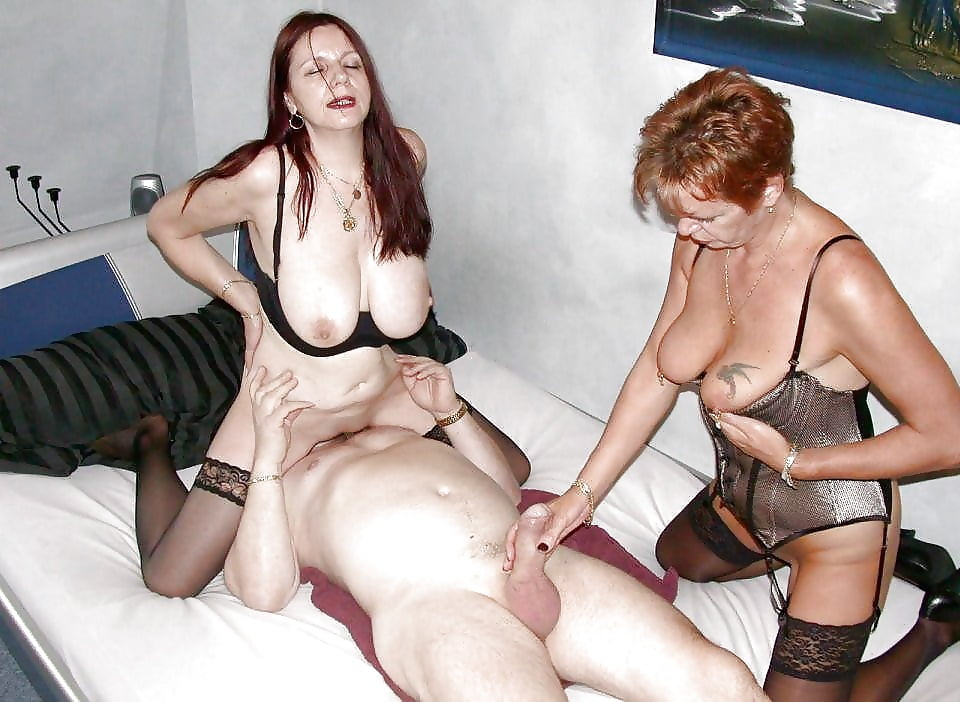 Swinger milf housewives, huge cumload in hairy pussy