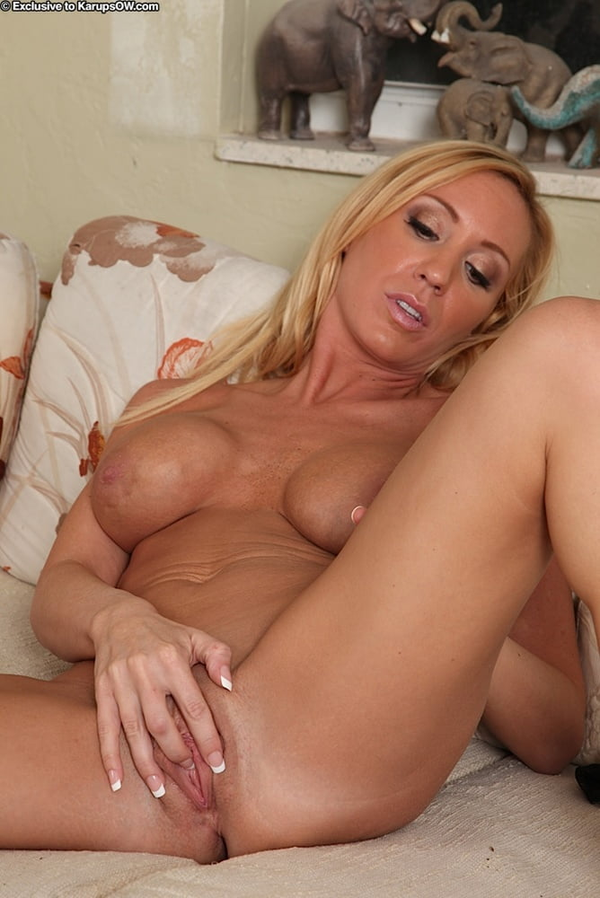 Toni Taylor Milf Blonde With Big Boobs Strips On A Bed