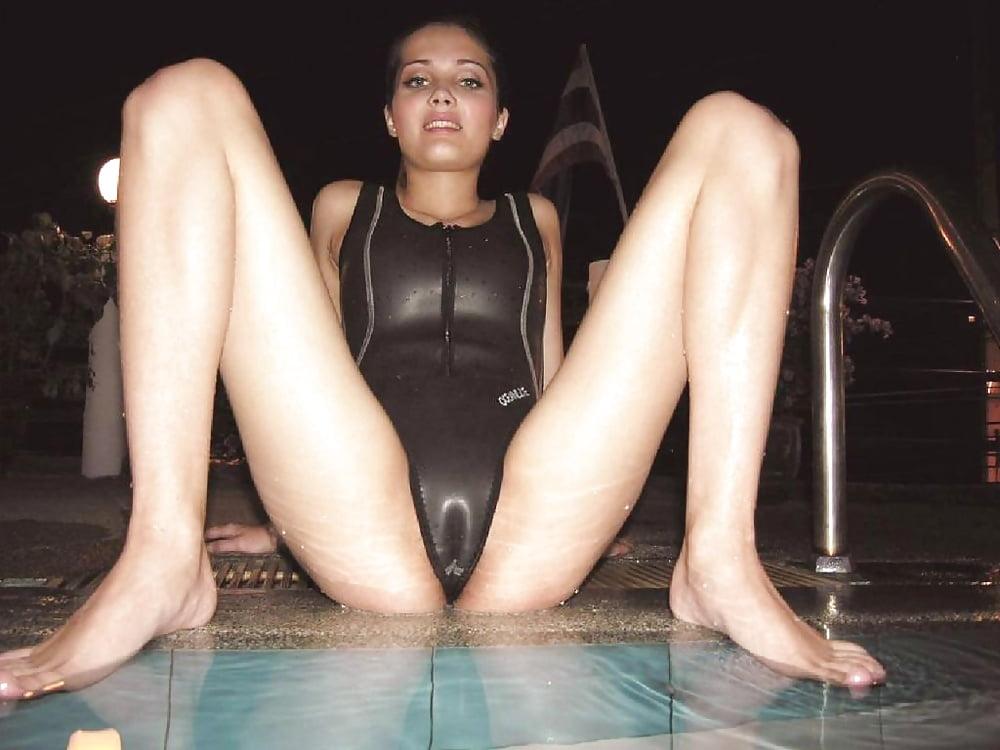 Amateur bikini sex photo