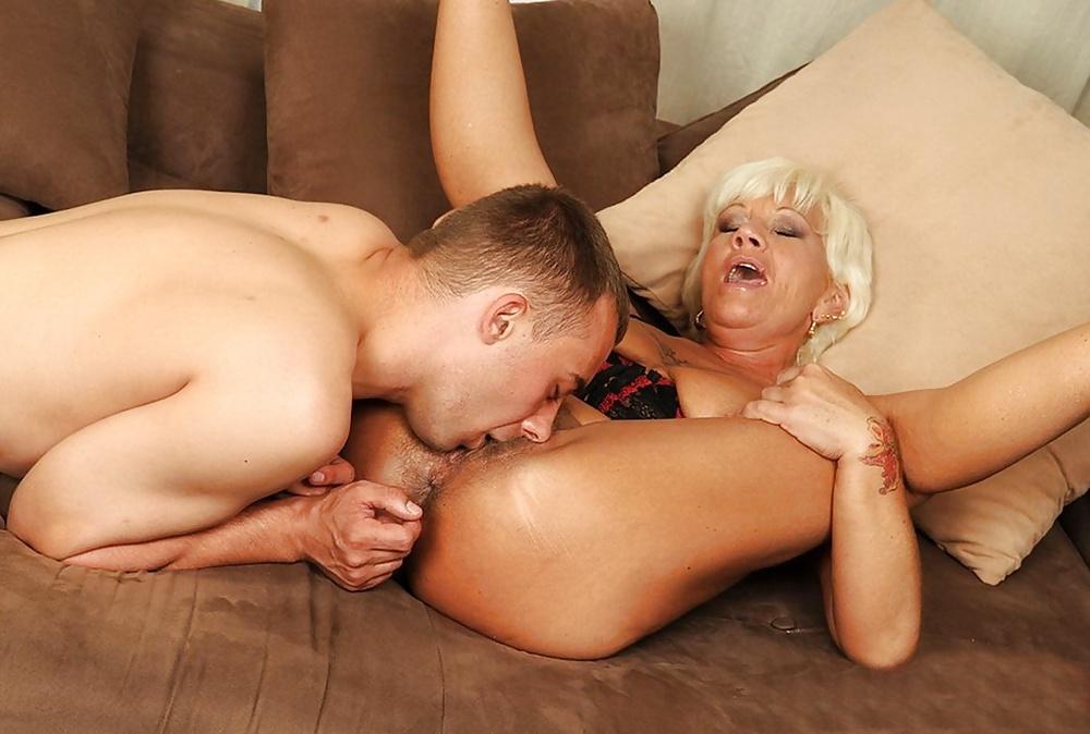 bullock-pussy-lickin-grannies-hot-comics-sex