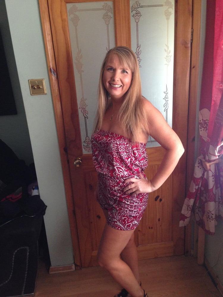 Alison, MILF from Nottingham, Blonde, NN - 35 Pics