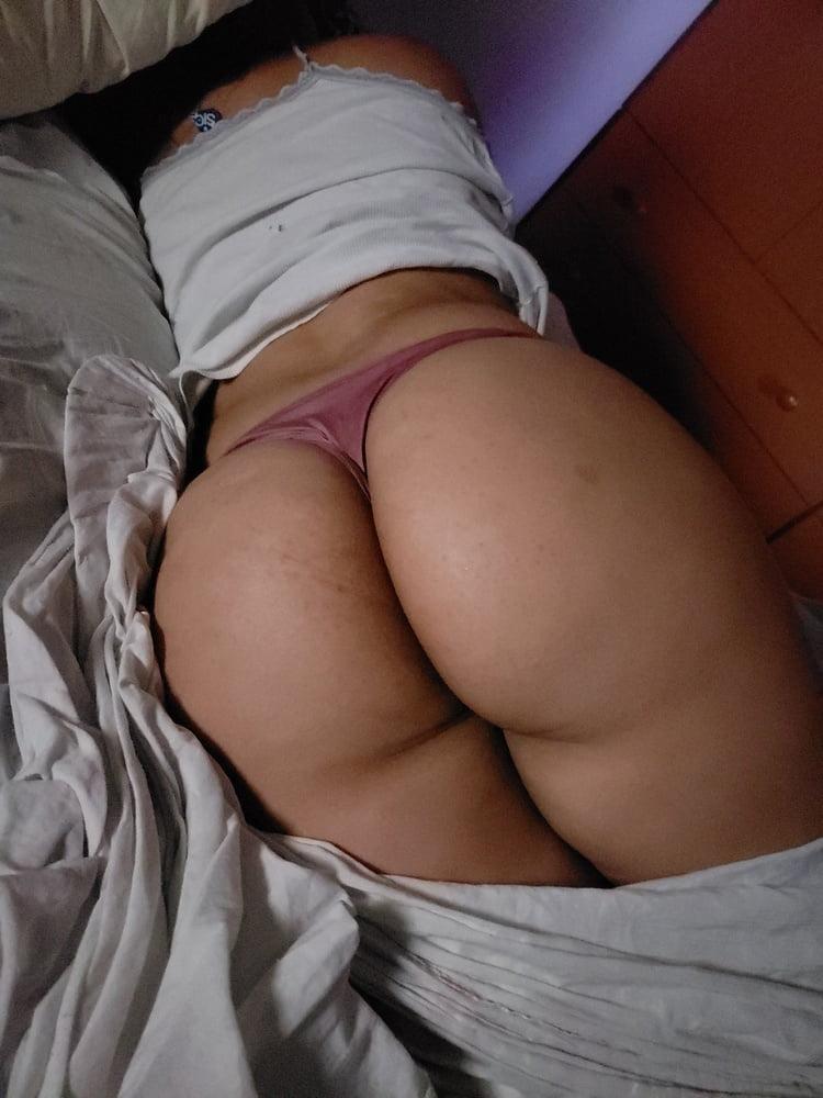 Big booty sleping neket, www pinkeorld tamel girl