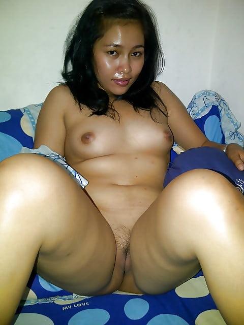 Singapore instagram horny malay girls graciellaanderson sitiumrrh blowjob sex photo