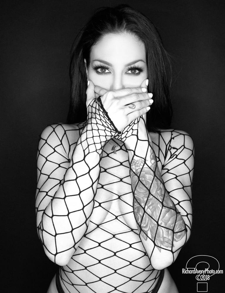 Black and white - 199 Pics