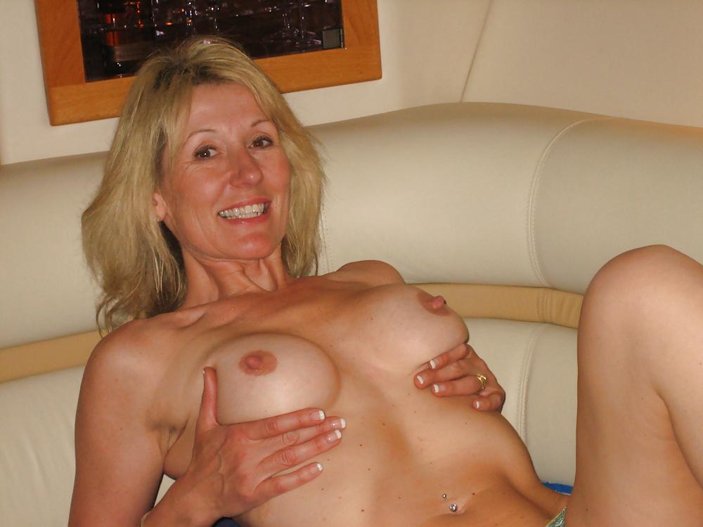 Amateur Moms Porn Pics