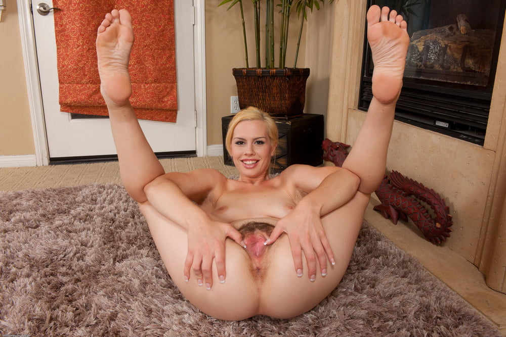 Mature Feet And Milf Porn Pictures
