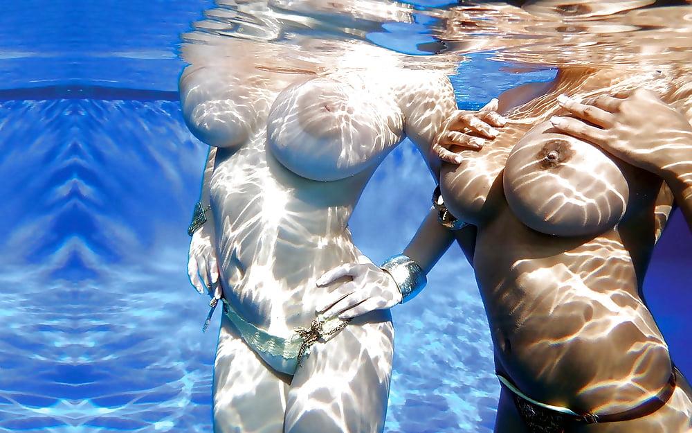 Плавающие сиськи онлайн 13