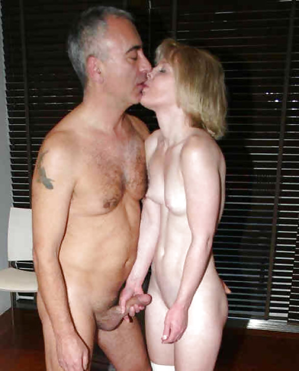 naked-older-girls-and-boys