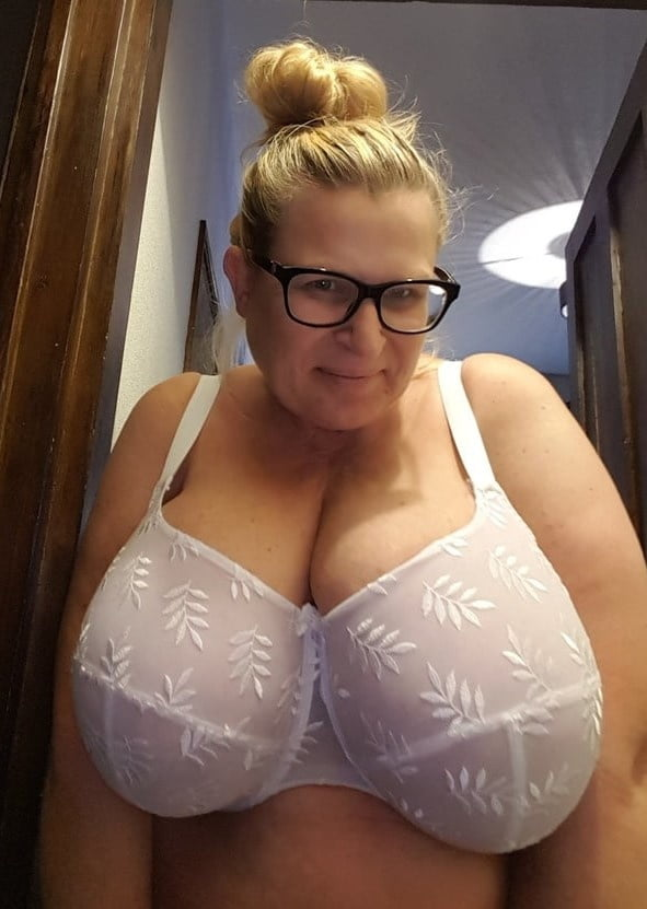 Which bra is suitable for sagging breast